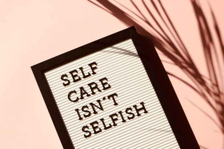 BLOGMAS DAY 19: Self-Care DuringChristmas